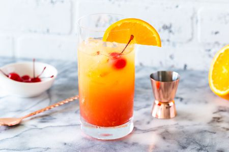 tequila-sunrise-recipe-760754-19_preview-5b02f856119fa80037651942